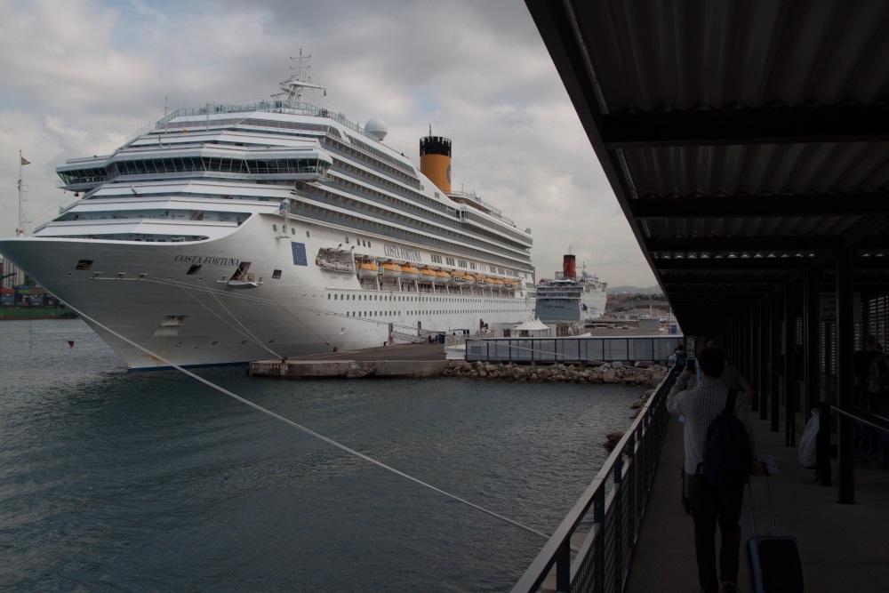 Paquebot au port de Marseille